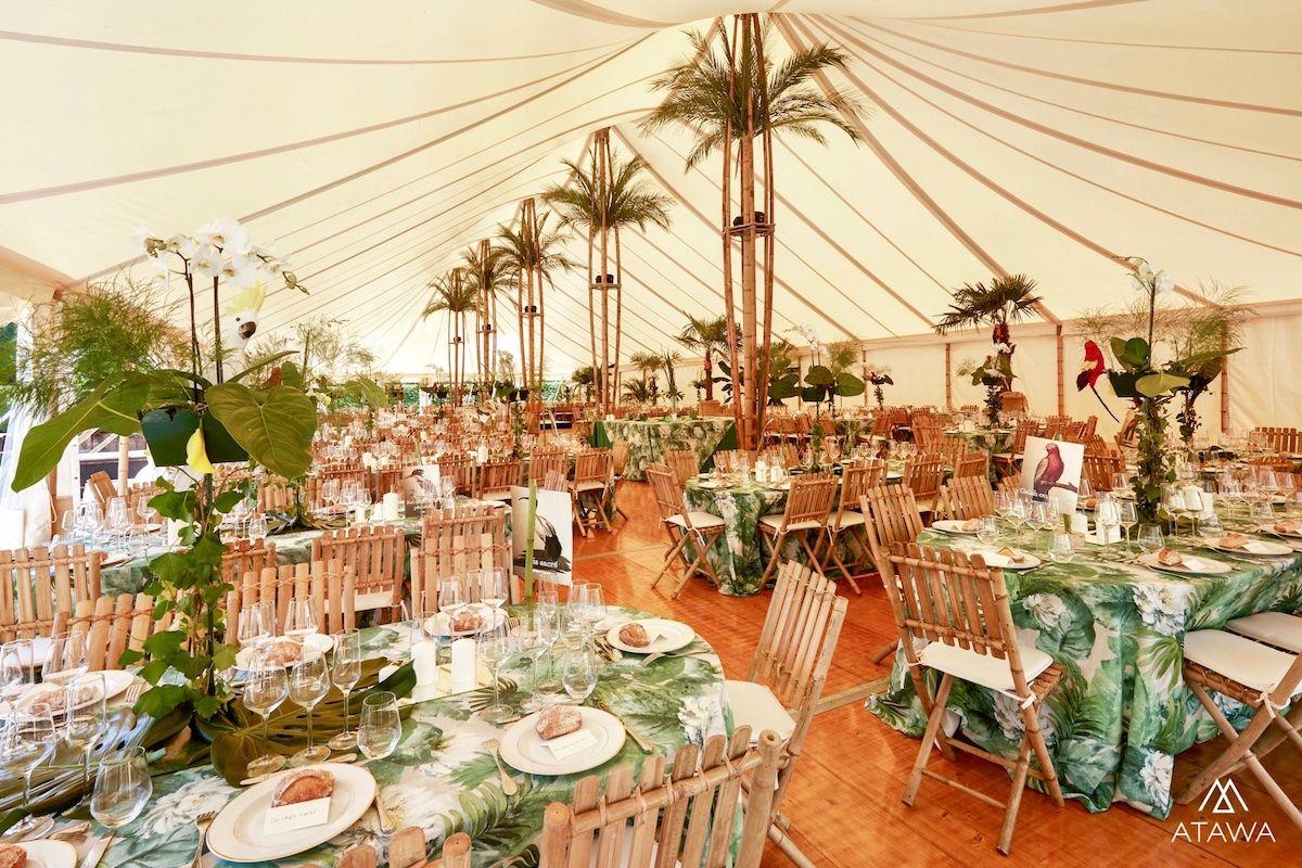 Mariage thème jungle sous un chapiteau bambou